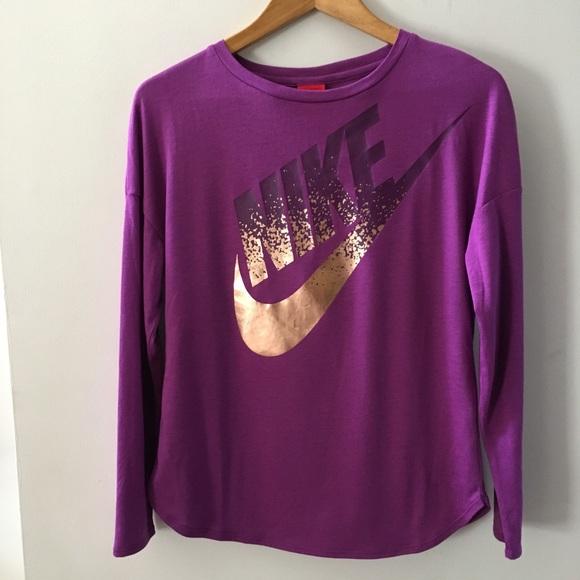 8950cce02642 Nike rose gold metallic long sleeve tee. M 5a999c87d39ca2dc68b34ed5